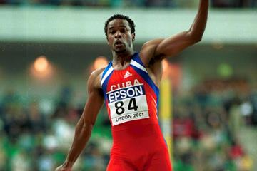 Ivan Pedroso at the IAAF World Indoor Championships, Lisbon 2001 (Getty Images)