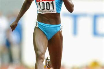 Merlene Ottey in action in the women's 100m heats (Getty Images)