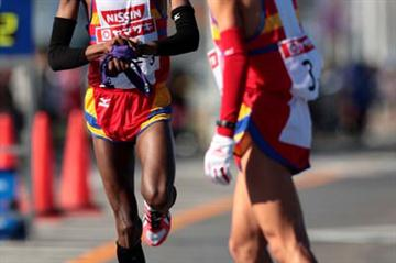 Gideon Ngatuny of Nissin Foods at the 2008 New Year Ekiden in Maebashi (Yohei Kamiyama/Agence SHOT)
