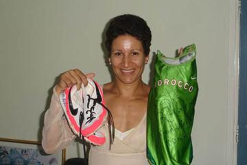 Nezha Bidouane donates competition kit to the IAAF (FRMA)