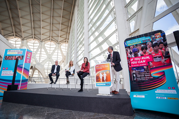 Paco Borao, Paula Radcliffe and Carlota Castrejana at a ceremony in the City of Arts and Sciences to mark 100 days to go to the IAAF/Trinidad Alfonso World Half Marathon Championships Valencia 2018 (LOC)