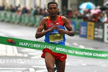 Zersenay Tadese wins his fourth World Half Marathon title (Getty Images)