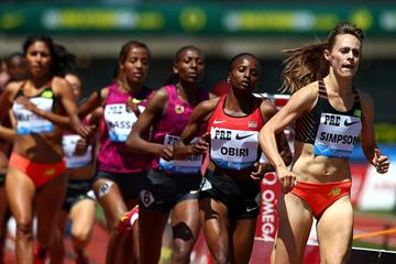 USA's Jenny Simpson leads the 1500m at the IAAF Diamond League meeting in Eugene (Getty Images)
