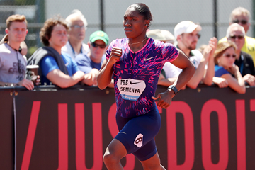 Caster Semenya on her way to winning the 800m at the IAAF Diamond League meeting in Eugene (Victah Sailer)