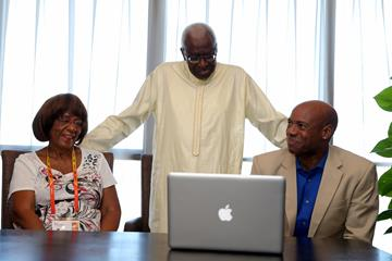 Beverly Owens Prather, IAAF Presdient Lamine Daick and Mike Powell (Getty IMages)