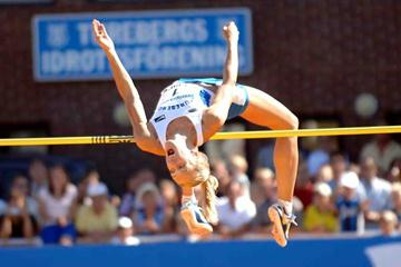 Kajsa Bergqvist clears 2.04m at the Swedish Championships (Hasse Sjögren)