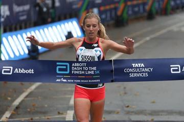Emily Sisson takes the US 5km title in New York (Courtesy of New York Road Runners)