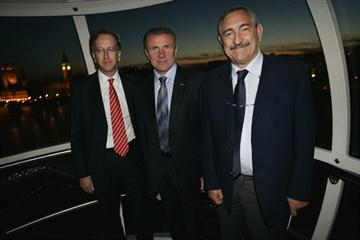 Ed Warner, Sergey Bubka and Pierre Weiss at a reception at the London Eye given by the London bid team for the 2015 World Championships (Action Images / UKA)