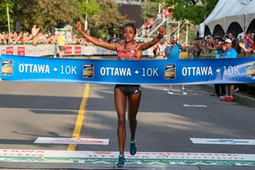 Alia Mohammed winning in Ottawa (Kevin Morris (organisers))