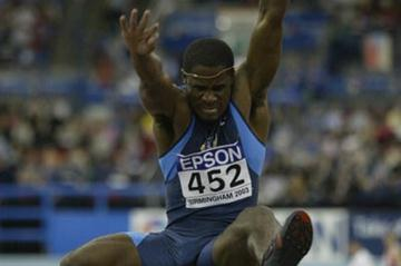 Dwight Phillips (USA) in action in the men's long jump final (Getty Images)