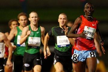 Asbel Kiprop on his way to 800m victory at the 2012 Sydney Track Classic (Getty Images)