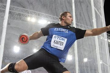 Gerd Kanter of Estonia competes in the men's Discus Throw final in Daegu (Getty Images)