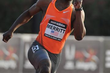 Lashawn Merritt en route to a dominating 200m victory in Carson (Kirby Lee)