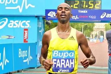 Mo Farah after he has broken the British 10km record at the 2009 BUPA British 10,000 (c)