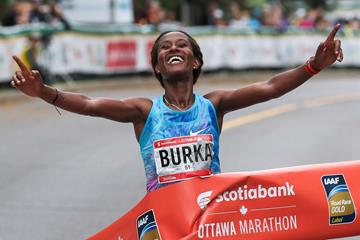All smiles - Gelete Burka setting a Canadian all-comers' record at the Ottawa Marathon (Kevin Morris (organisers))