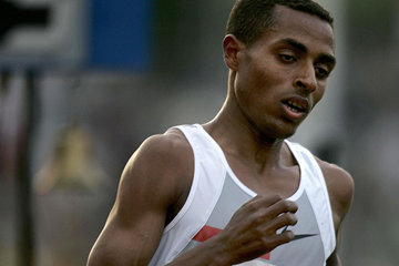 Kenenisa Bekele on his way to breaking the world 5000m record in Hengelo (AFP / Getty Images)