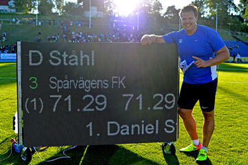 Swedish discus thrower Daniel Stahl after throwing 71.29m in Sollentuna (Deca Text & Bild)