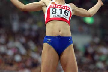 Lyudmila Kolchanova of Russia takes 2007 World long jump silver (Getty Images)