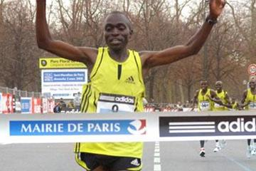 Stephen Kibiwot winning the Paris Half Marathon (Getty Images/AFP)