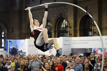 Canadian pole vaulter Shawn Barber (AFP / Getty Images)