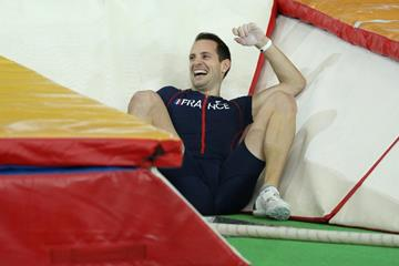 Renaud Lavillenie after failing an attempt at a world record in the pole vault at the IAAF World Indoor Championships Portland 2016 (Getty Images)