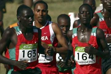 Leonard Komon (KEN) - seen here (bib 164) on his way to 4th in the junior race at the 2007 World XC in Mombasa (Getty Images)