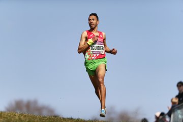 Morocco's Abdelaati Iguide in the mixed relay at the IAAF/Mikkeller World Cross Country Championships Aarhus 2019 (Getty Images)