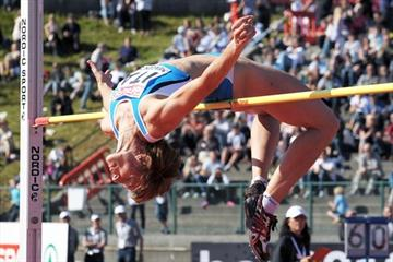 Antonietta Di Martino clears 2.00m in Bergen (Mark Shearman)