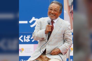 Japanese distance coach Yoshio Koide (Miyuki Meinaka)