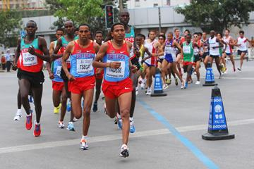 Zersenay Tadese in action at the 2010 World Half Marathon Championships in Nanning (Getty Images)