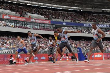 Akani Simbine (2nd from right) wins the London Diamond League 100m (Kirby Lee)