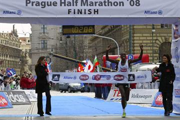 Eliah Muturi Karanja takes the win in Prague (organisers)