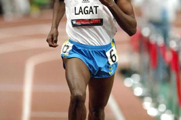 Bernard Lagat winning the mile at  the 2006 Millrose Games (Kirby Lee)