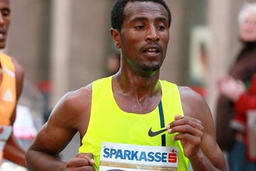 Sisay Lemma at the 2015 Vienna City Marathon (Victah Sailer / Photorun.net)
