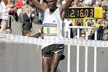 James Saina (KEN) wins 23rd Athens Classic Marathon in 2:16:05 (c)