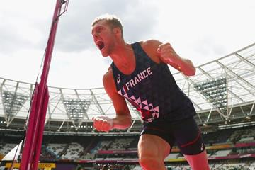 Kevin Mayer in the decathlon pole vault at the IAAF World Championships London 2017 (Getty Images)