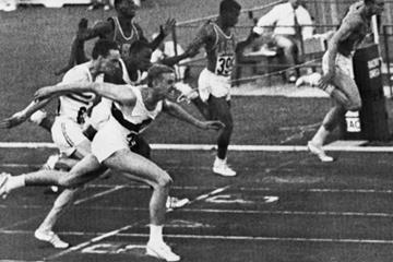 Armin Hary (l) wins the 1960 Olympic 100m title (AFP/Getty Images)