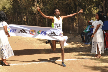 Mogos Tuemay wins the Jan Meda Cross Country (EAF)