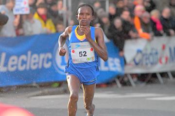 Stacy Ndiwa on her way to winning the Corrida Internationale de Houilles (Jiro Mochizuki)