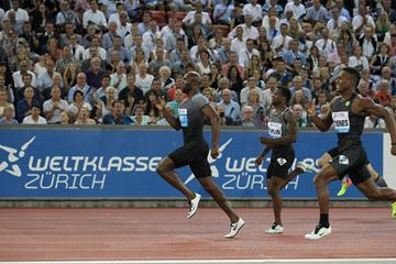 LaShawn Merritt leads the 400m at the IAAF Diamond League meeting in Zurich (Jean-Pierre Durand)