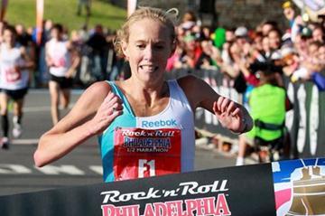 Kim Smith clocks a 1:07:11 U.S. All-comers record in Philadelphia (Victah Sailer)