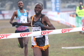 James Kibet wins the men's race at Campaccio (Giancarlo Colombo)