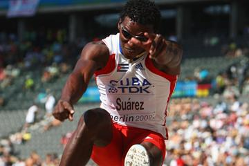 Decathlon World Leader Cuba's Leonel Suárez in flight during the men's Decathlon Long Jump at the IAAF World Championships (Getty Images)