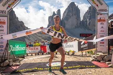 Sarah Tunstall wins at the DreiZinnen Alpine Run (Marco Gulberti / Corsa in Montagna)