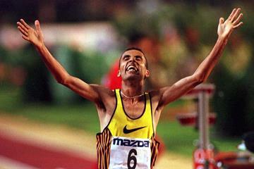 Salah Hissou setting a 10,000m world record at the 1996 Brussels meeting (Salah Hissou setting a 10,000m world record at the 1996 Brussels meeting)