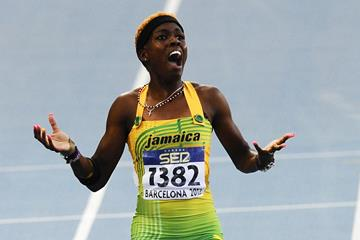 Janieve Russell wins the 400m hurdles title at the 2012 IAAF World Junior Championships in Barcelona (Getty Images)