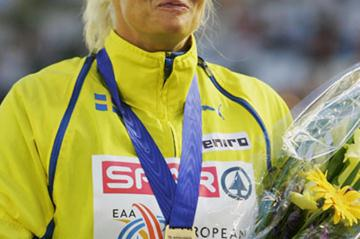 Carolina Kluft celebrating her European title in Gothenburg (Bongarts)