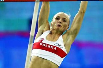 IAAF: Rogowska vaults 4.76m and Bieniek high jumps 2.36m ...