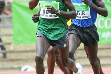 Lucas Kibet en route to his 10,000m win at the Kenyan Police Championships (Mohammed Amin)