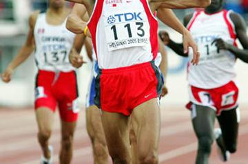 Rashid Ramzi backs his 1500m gold with an 800m win (Getty Images)